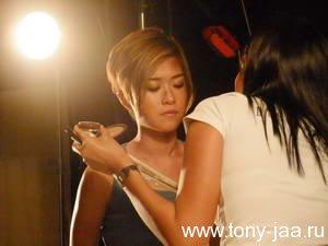 Джей Йа учится танцевать