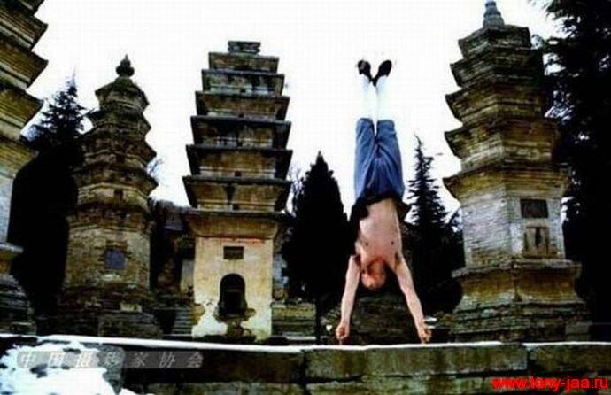 Фотошопский монах?: