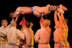 Монах на копьях