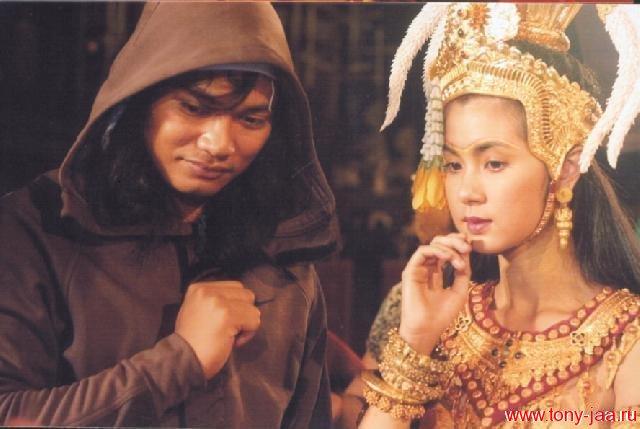 Тони и тайская актриса