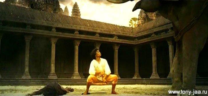 Упущенный кадр из фильма Онг-Бак 2 (Ong-Bak 2)