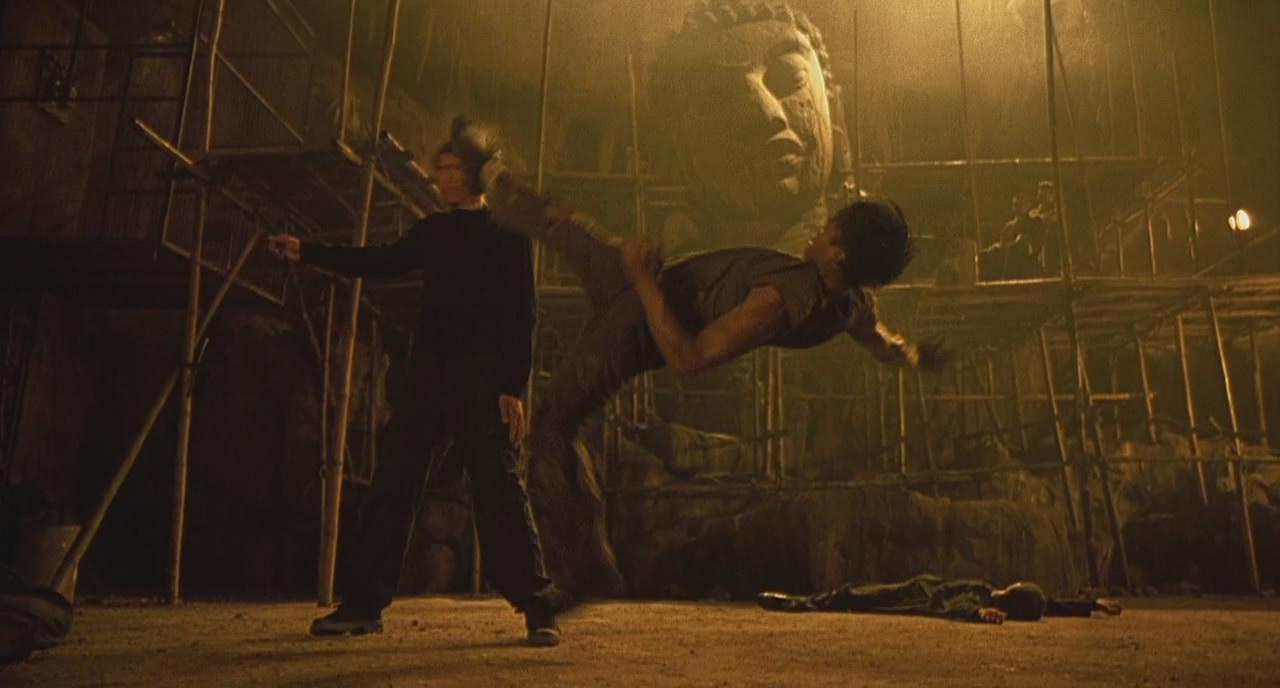 Кадр с фильма Онг-Бак (Ong-Bak)