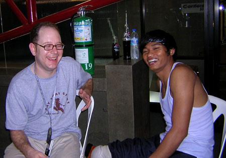 Тони Джаа (Tony Jaa) и журналист