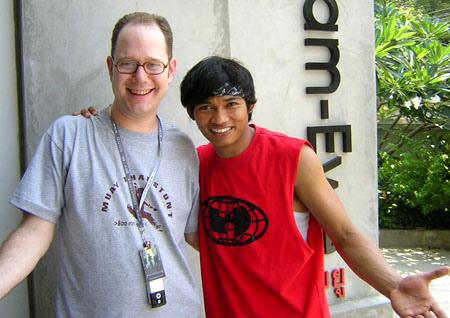 Тони Джаа (Tony Jaa) с репортером