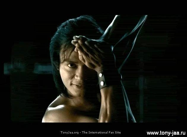 Тони Джаа (Tony Jaa) в рекламе Mitsubishi Triton